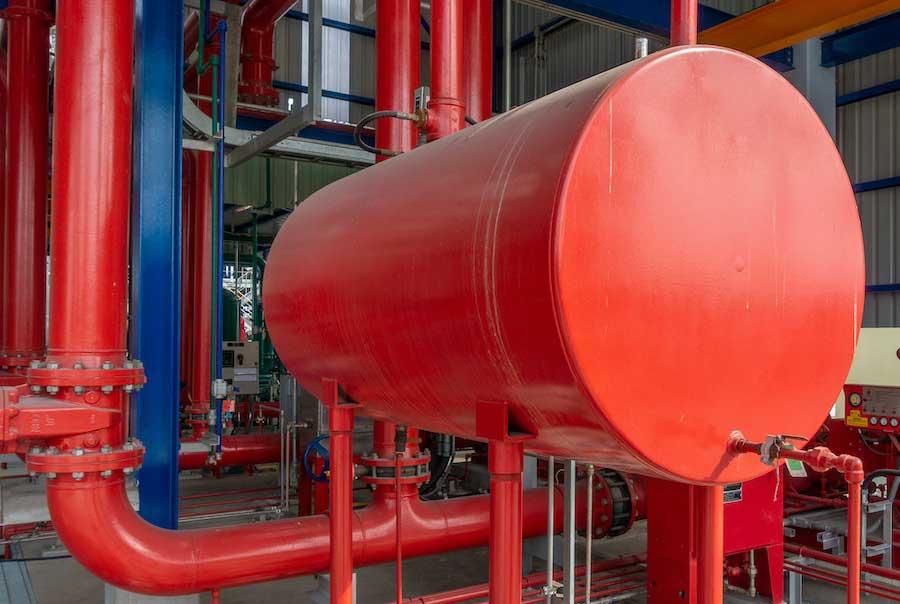 Reparación de depósitos industriales con fontanería sin obras