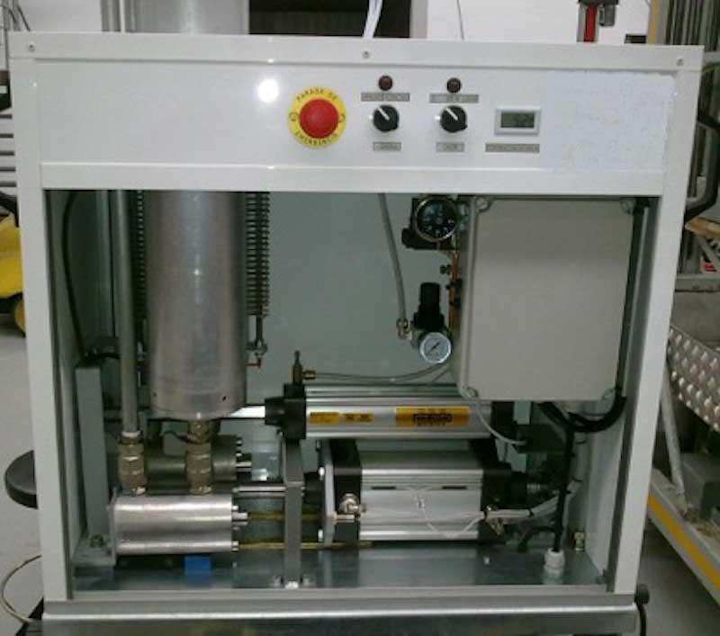 Máquina de inyectar resinas epoxy de Distrai Tecnología